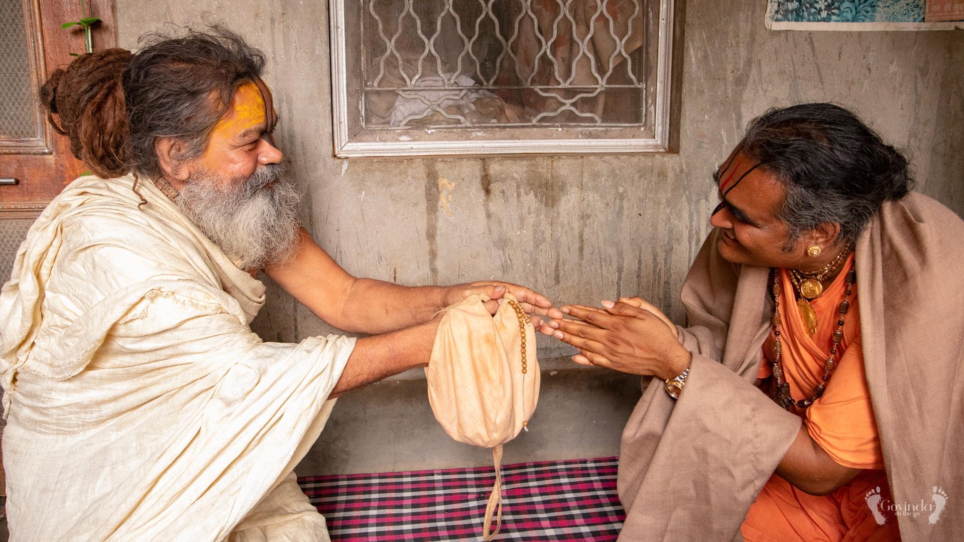 Humility embodied - Sri Vinod Ras Bihari and Paramahamsa Vishwananda bowing down to each other