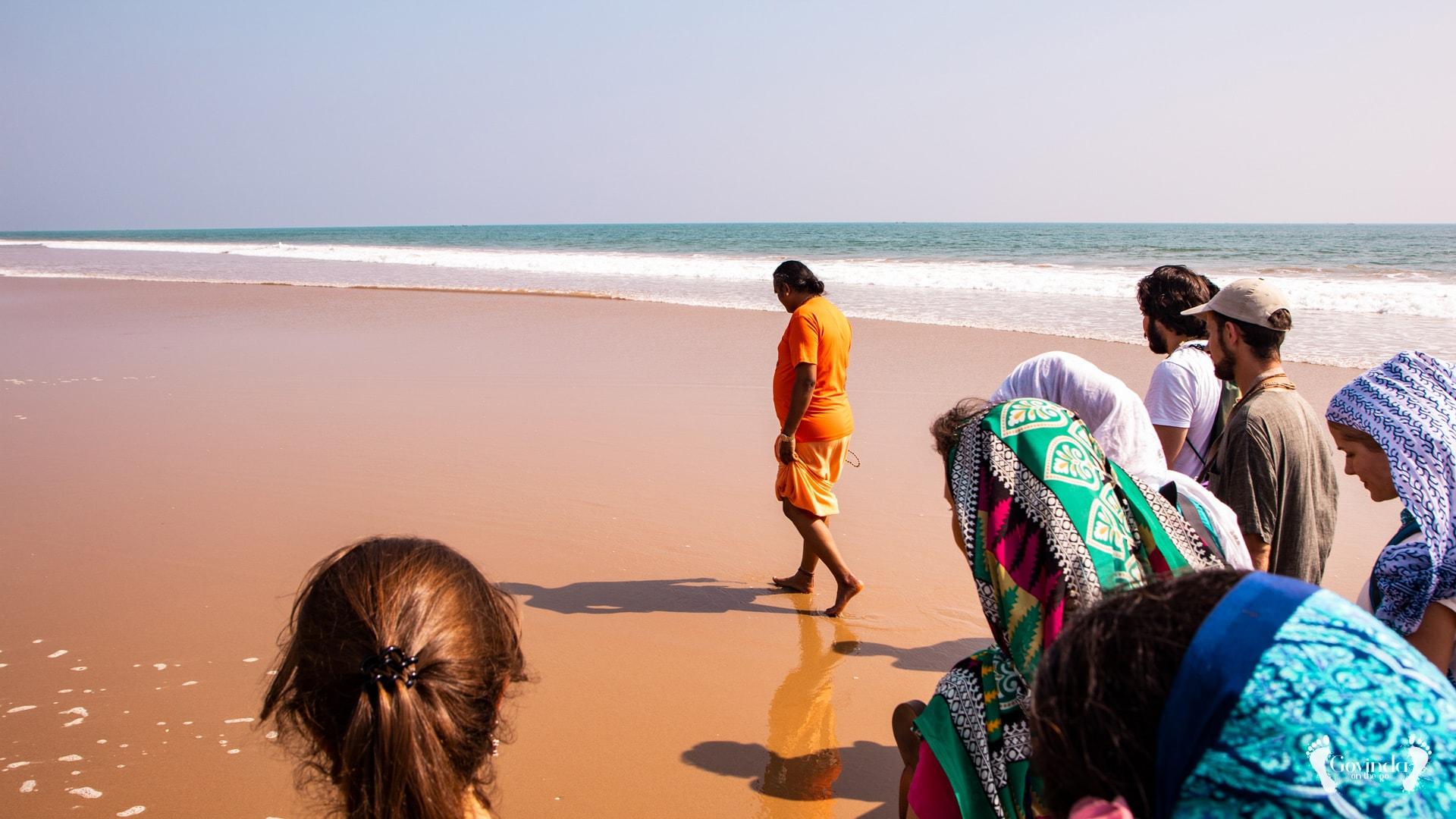Japa walk with Paramahamsa Vishwananda on Ramachandi beach